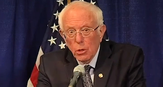 LMAO: Bernie Just Did Trump A Huuuuuge Favor, Holds Presser & Tells America That He Is Fighting On!